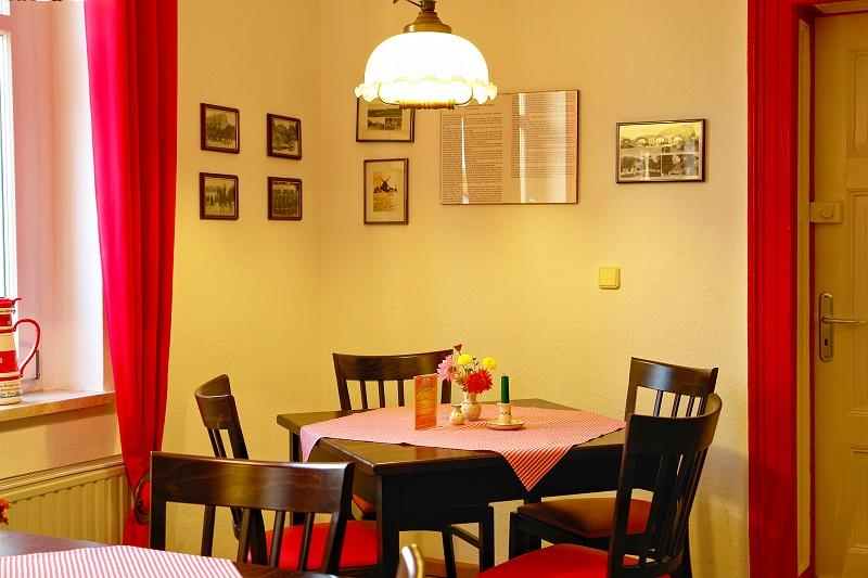 Gaststätte Kastanienhof Uckermark - Sitzecke im Gastraum