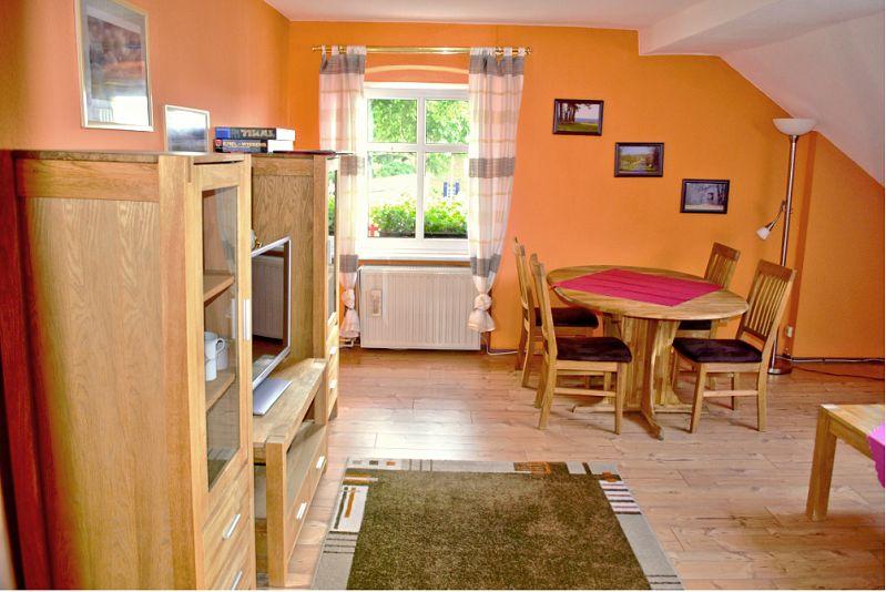große Ferienwohnung - Wohnzimmer - links